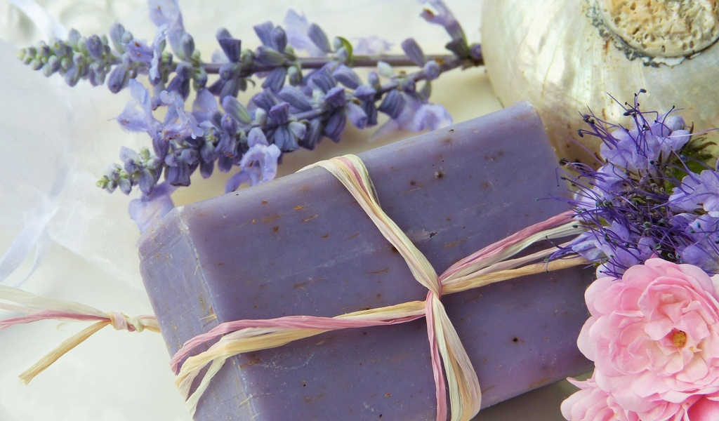 Gentle soap without harsh ingredients or fragrances